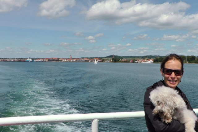 En route to Lyö: Vicki and Dubu with Faaborg in the background.