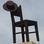 hat+chair